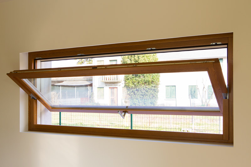 Finestre portefinestre vetrine infissi silvestri for Infissi finestre