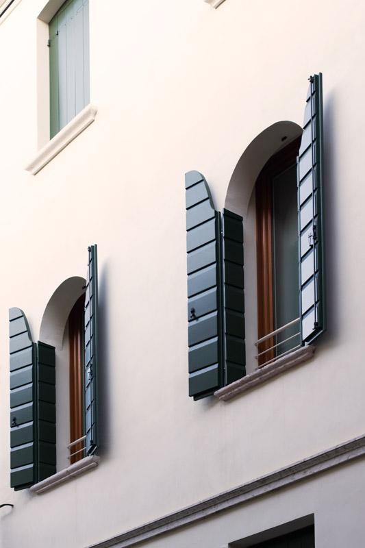 Silvestri serramenti produttori di porte finestre for Imposte finestre
