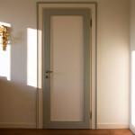 Porta stilizzata con cornici bicolore